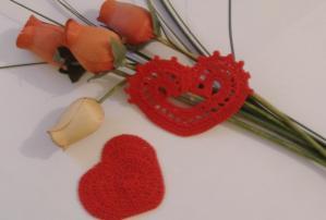 Coeurs au crochet à suspendre
