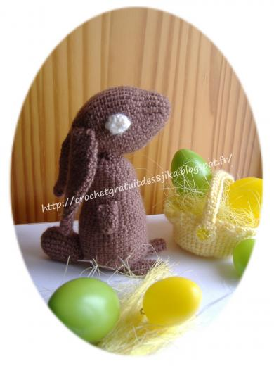 Lapin de paques au crochet