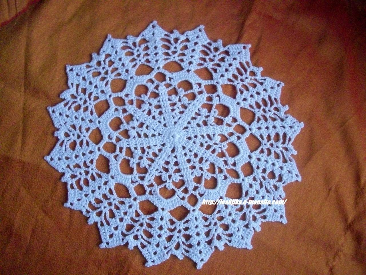 Site de crochet et napperons ronds et grilles gratuites - Napperon crochet grille gratuite ...